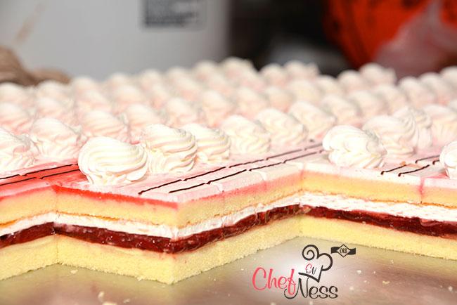 mini-Strawberry-cake-mini-pastries-kosher