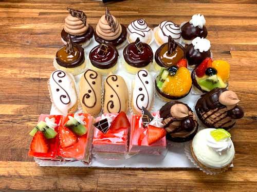 asorted-mini-pastries-chefness-kosher-bakery